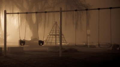 Ha köd ereszkedik a játszótérre