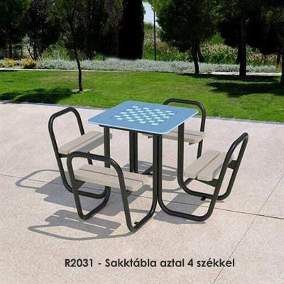 R2031 - Sakktábla aztal 4 székkel, világos barna színben is kapható.
